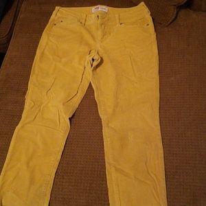 Denim - Yellow jeans